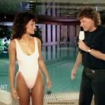 Andrea Berg im engen Badeanzug