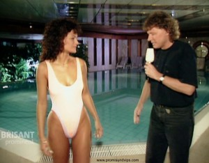 Andrea Berg im Badeanzug