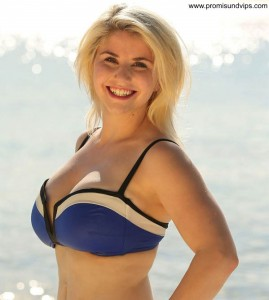 Beatrice Egli im Bikinioberteil