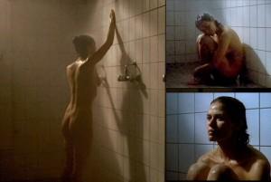 Melika Foroutan nackt unter der Dusche
