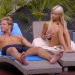 Mia Julia nackt mit Paul Janke auf der Liege