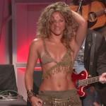 Shakira im sexy Bikinioberteil