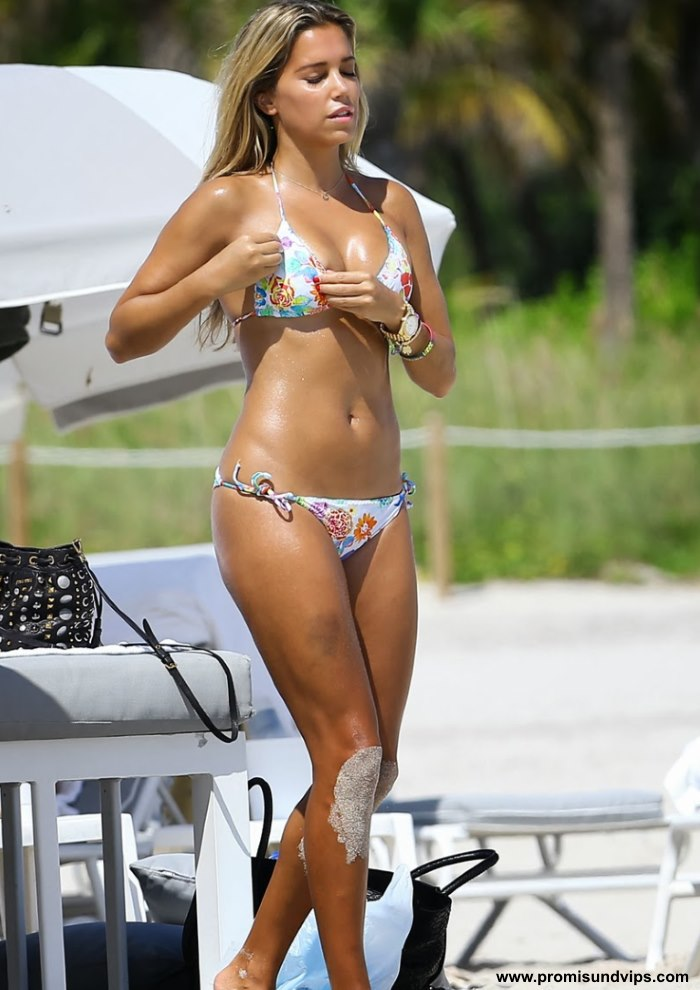 Stefanie Hertel Bikini
