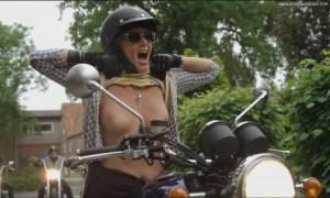 Ulrike Kriener: Titten auf einem Motorrad